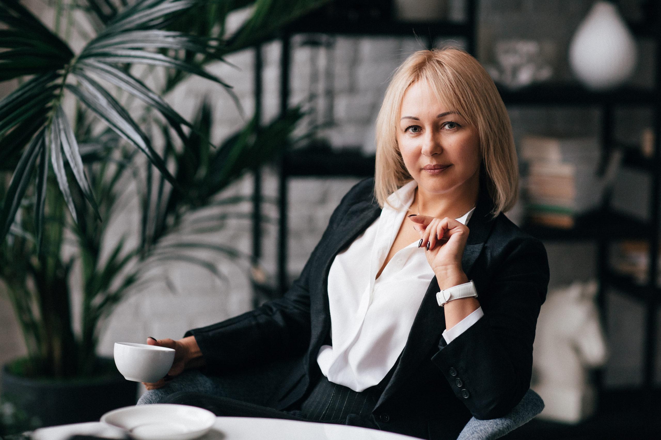 Елена Манукова